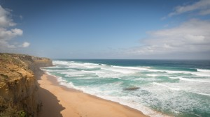 Blick von den Klippen auf den Strand
