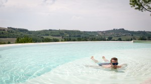 Abkühlem im Pool